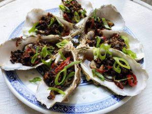 Gestoomde oesters wijn