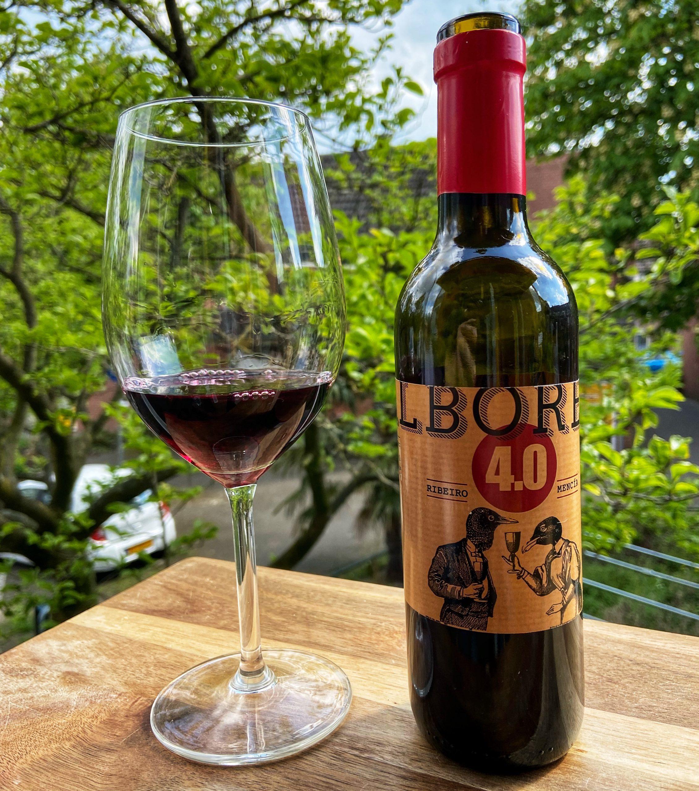 Hoeveel wijn kleine fles rode wijn
